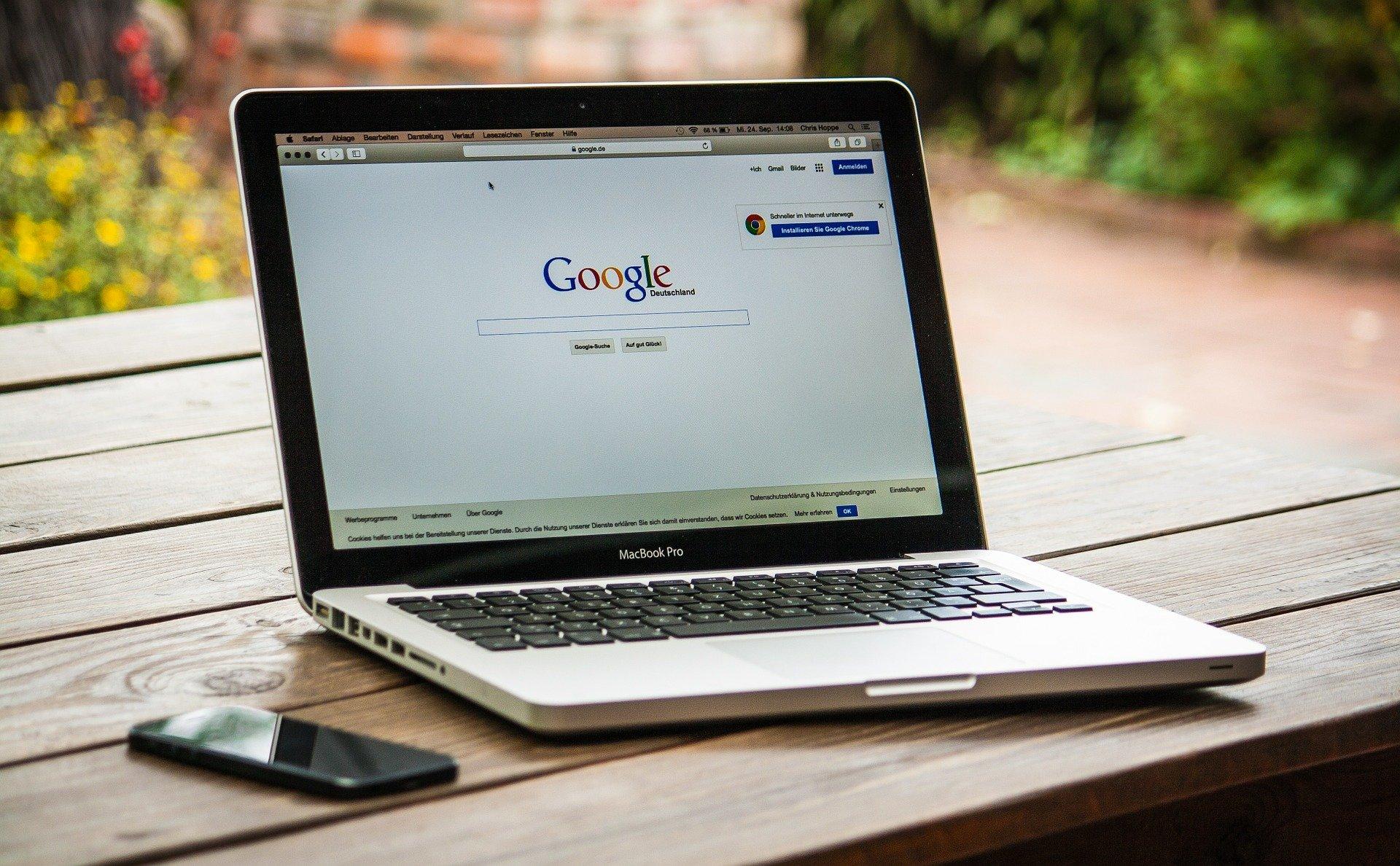Recherche über das Internet